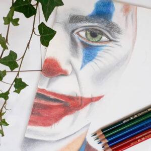 نقاشی جوکر فینیکس با استفاده از مداد رنگی